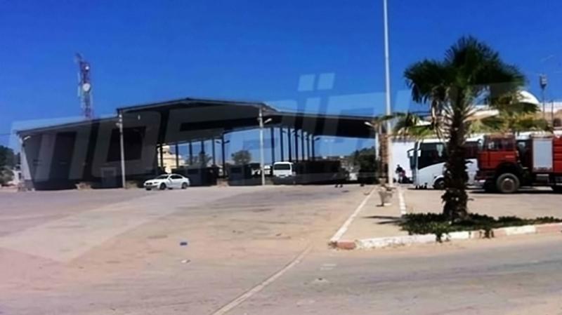 إجلاء 311 تونسيا عبر معبر رأس الجدير