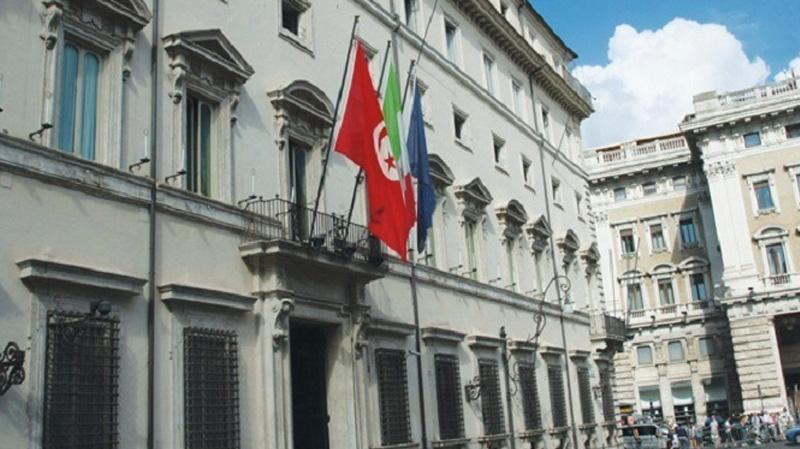 تونسي يحاول حرق نفسه داخل مقر القنصلية بميلانو