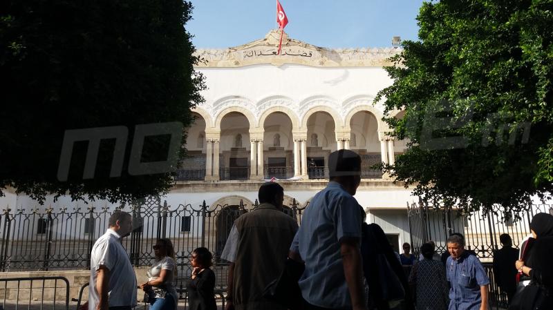بسبب بلاغ: الحكم بسجن رئيس جامعة النزل 8 أشهر