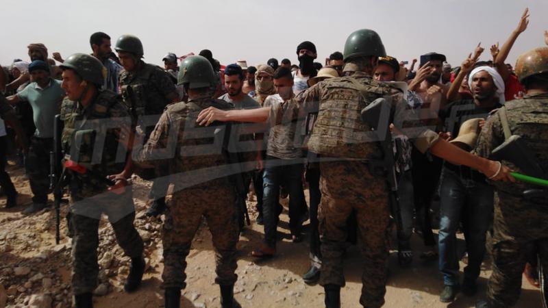 تطاوين: ممثلون عن الجيش يفاوضون المعتصمين أمام ''الفانا''