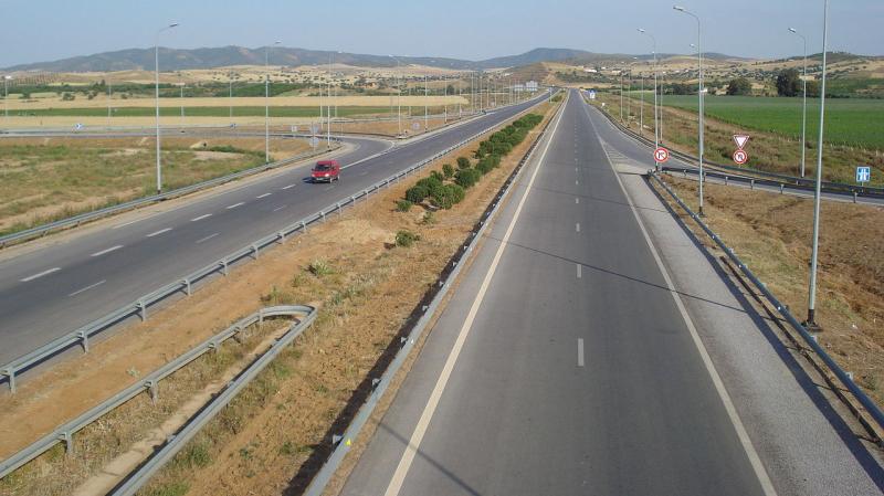تحويل حركة المرور على مستوى طرق تربط الشمال الغربي بالعاصمة