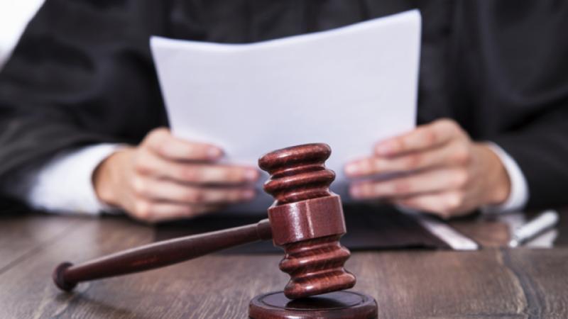 فتح تحقيق في تعرّض محامية للتعنيف في مركز المروج الخامس