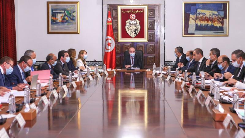 مجلس الوزراء يقرّ بإجبارية الكمامات في فضاءات تحددها وزارة الصحة