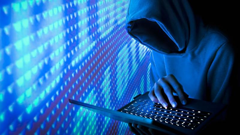 يستغل حسابا الكترونيا لإيهام منظمة دولية بمخططات إرهابية في تونس