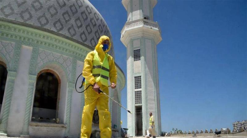 الجزائر تعيد فتح مساجدها بشروط