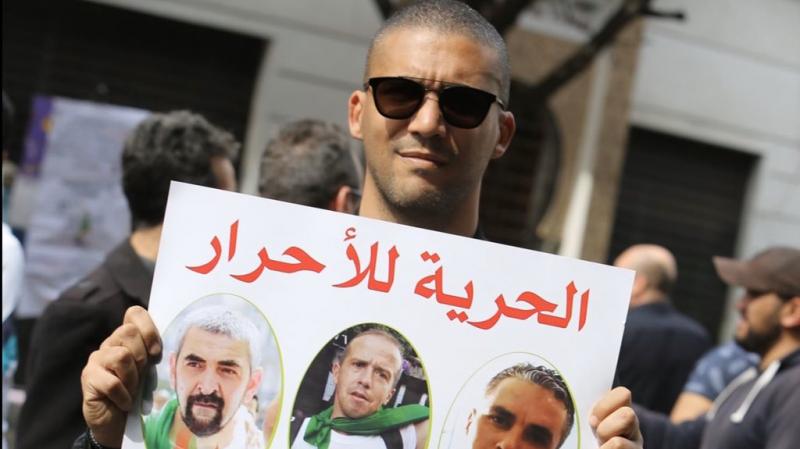 إدانة مراسل tv5 في الجزائر بـ3 سنوات سجنا