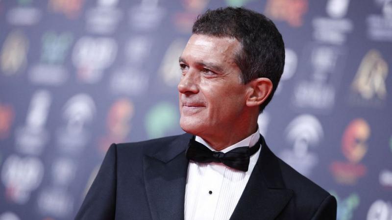 نجم هوليود 'أنطونيو بانديراس' مُصاب بكورونا