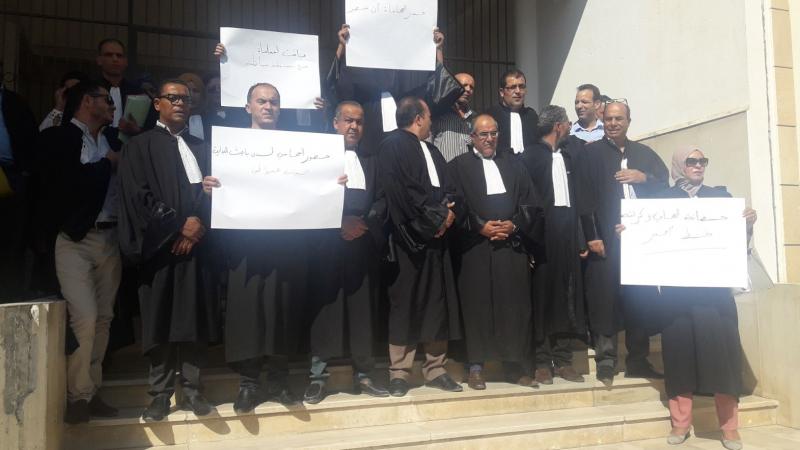 قفصة: المحامون يحتجون ويوجهون رسالة للداخلية