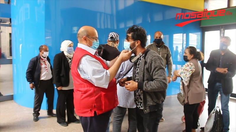 قرار حكومي.. الكمامة إجبارية في القطار والمستشفيات والفضاءات التجارية