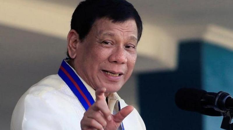 رئيس الفلبين يتطوّع لتجربة اللقاح الروسي ضد كورونا على نفسه