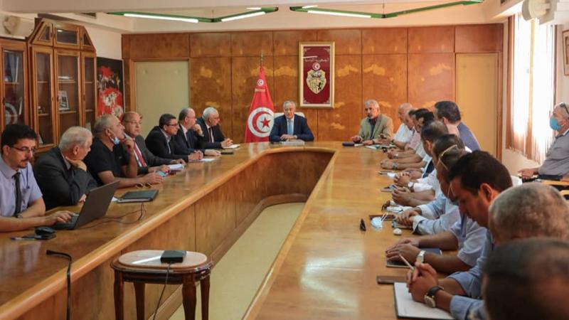 الخطوط التونسية..اتّفاق وزاري نقابي لإنقاذ الناقلة الوطنية