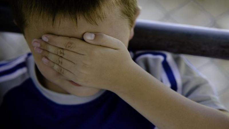 طفل الخمس سنوات يتعرّض للتحرّش من طرف منشطتين بنزل في الحمامات؟!