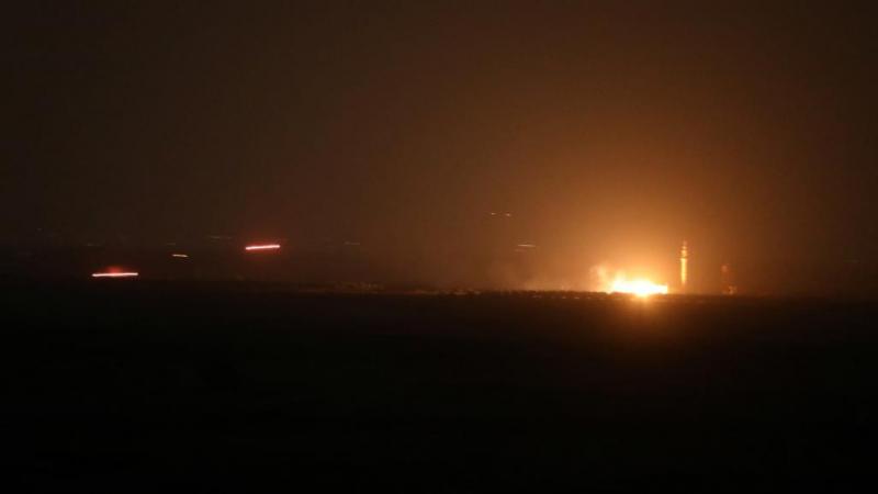 إسرائيل تقصف مواقعاً لحماس رداً على ''البالونات الحارقة''