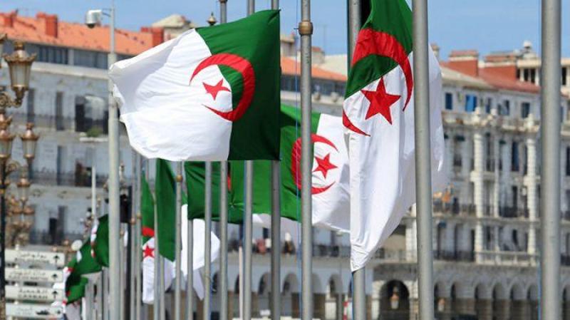 عهدة الرئيس دورتان.. برلمان الجزائر يصادق على مشروع تعديل الدستور