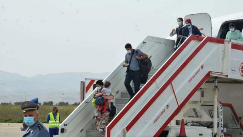عملية إجلاء جديدة للتونسيين من الجزائر