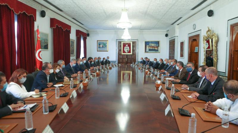 برنامج لانقاذ الاقتصاد في أولى جلسات الحوار بين الحكومة ومنظمة الأعراف