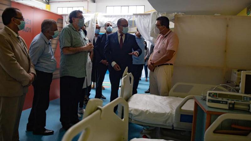 المشيشي يؤدي زيارة غير معلنة للمستشفى الطارئ بمركب المنزه