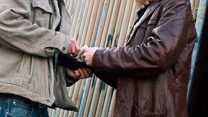 يزوّد رواد الملاهي الليلية بالمخدرات: القبض على مروّج في قمرت