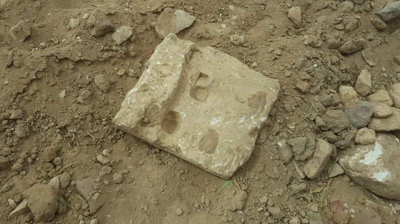 آثار رومانية تحطمها الجرافات في القصرين