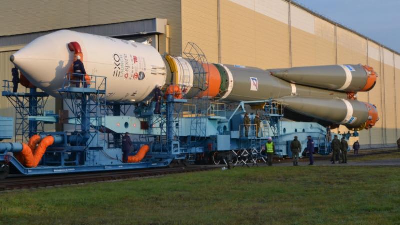الإمارات تطلق القمر الإصطناعي ''مزن سات'' إلى الفضاء بنجاح