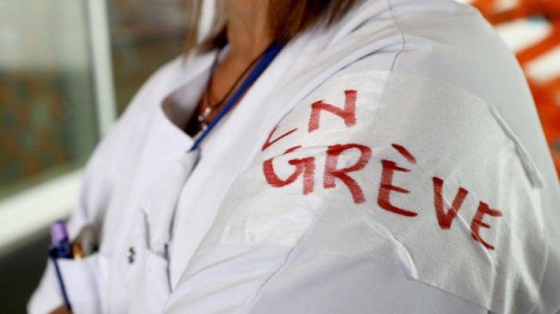 نقابة الممرضين في إضراب عام  بداية من الأربعاء..