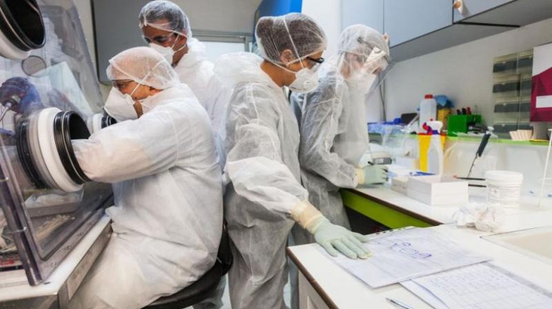 الوزير: فرنسا بصدد تجربة دواء جديد لم تُعلن عن اسمه