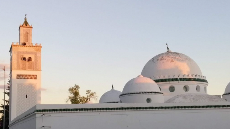عين دراهم: غلق الحمامات وميضات المساجد