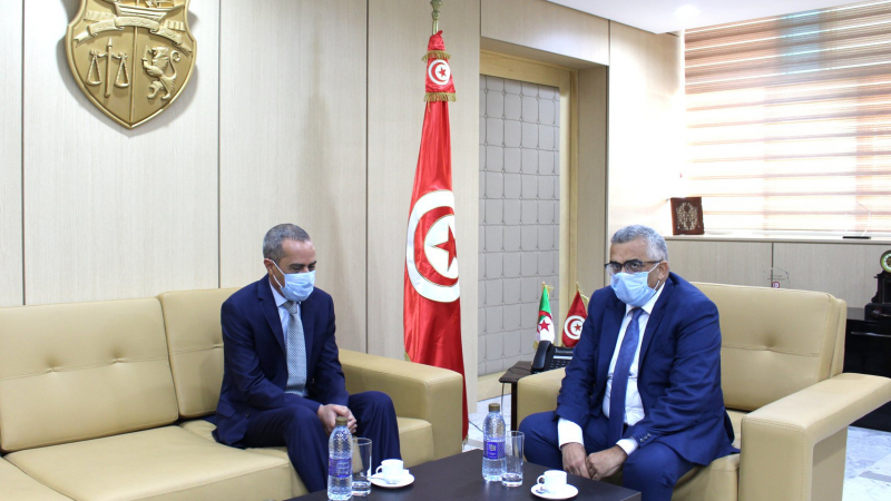 بين تونس والجزائر:مشاريع اتفاقيات حول التعاون القضائي والأحوال الشخصية