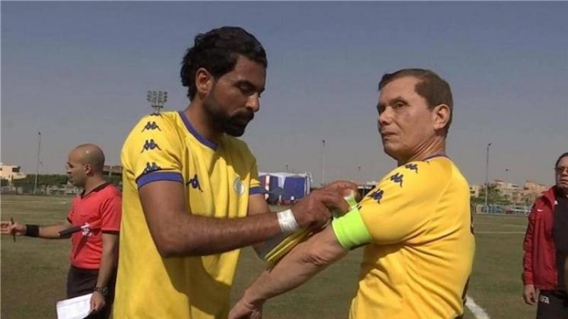 شيخ مصري يدخل ''غينيس'' كأكبر لاعب كرة قدم محترف في العالم