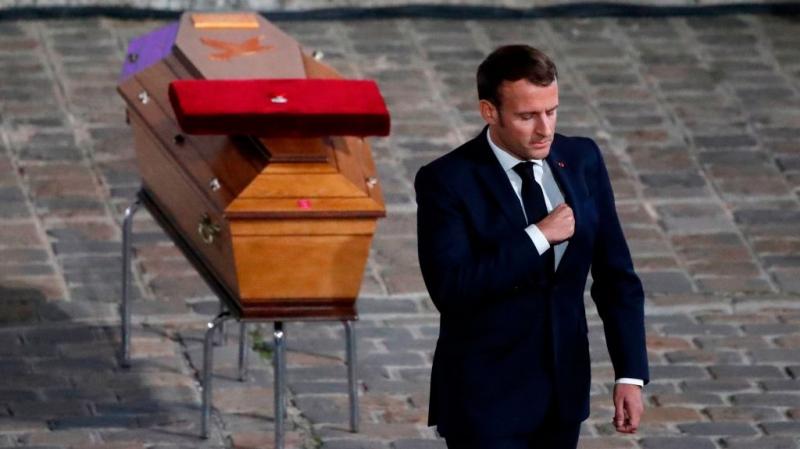 ذبح أستاذ قرب باريس: توجيه تهمة ''ارتكاب جريمة قتل إرهابية'' لـ6 أشخاص