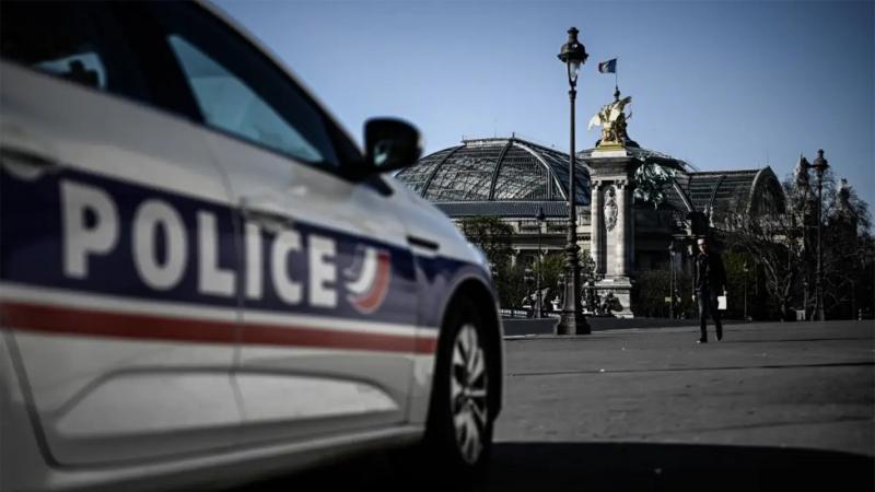 محجّبتان تتعرّضان للطعن في باريس: إعتقال فرنسيتين