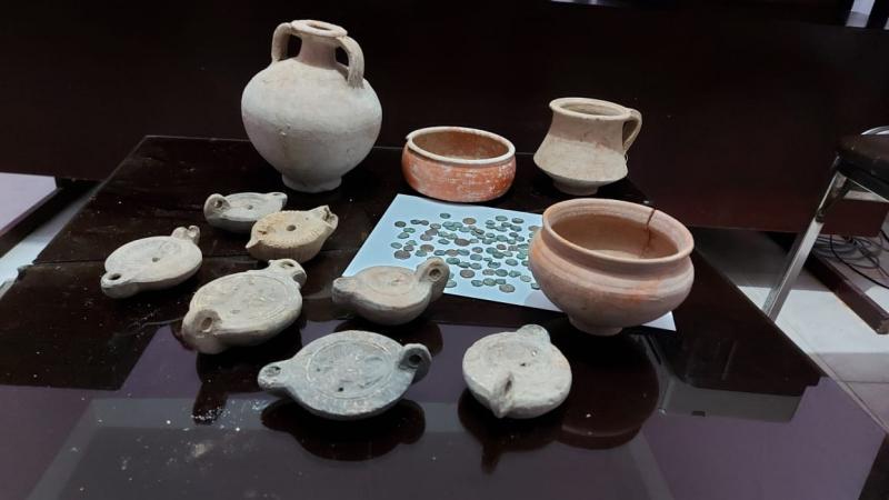 فريانة: حجز 15 قطعة أثرية و100 قطعة نقدية رومانية