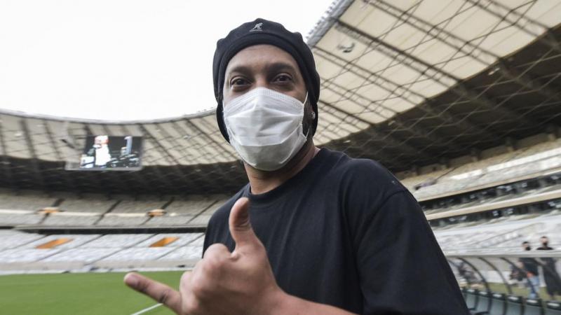 إصابة رونالدينيو بكورونا
