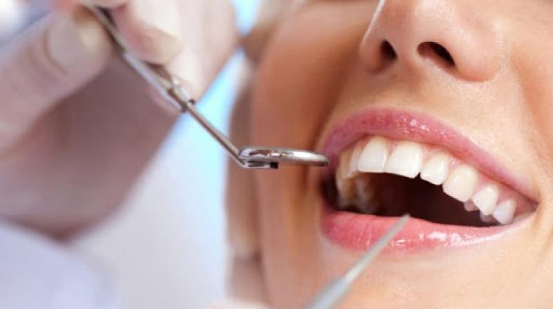 نقابة أطباء أسنان تونس تدعو إلى إعلان حالة طوارئ صحية