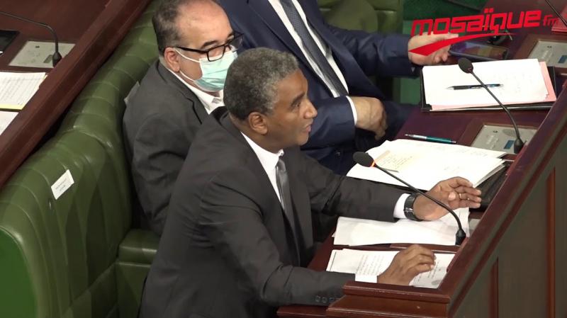 وزير الشباب والرياضة: تعليق نشاط هلال الشابة غير قانوني..