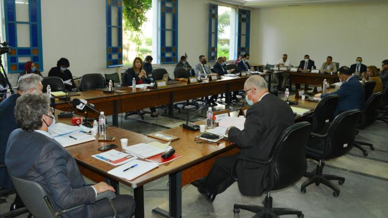 لجنة الماليّة في البرلمان تشرع في مناقشة مشروع قانون المالية التّعديلي