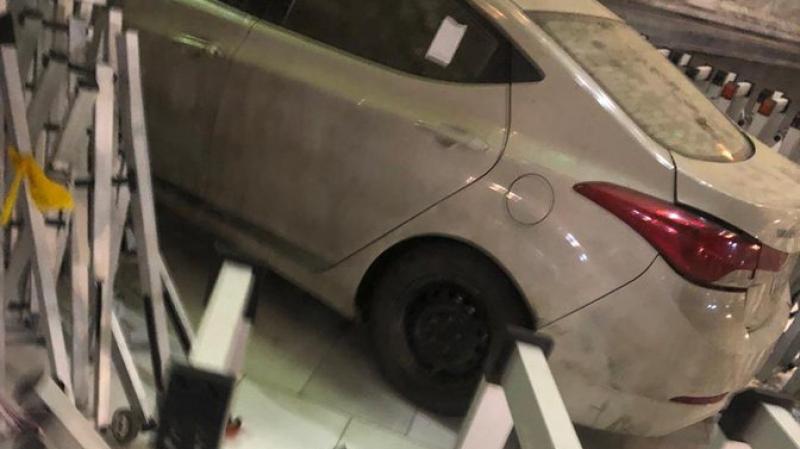 سيارة تقتحم ساحة الحرم المكي