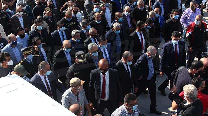 نقابيون وسياسييون يودّعون المباركي بمقبرة الزلاج