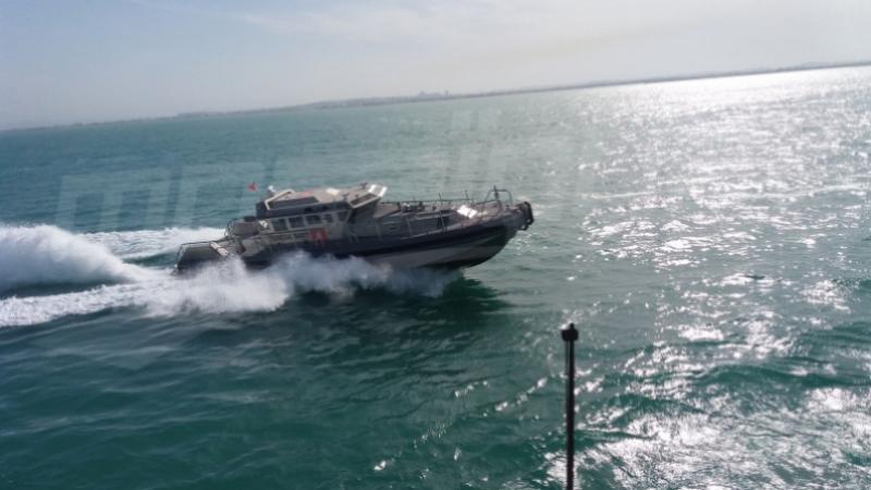 جيش البحر ينقذ 14 تونسيا بسواحل جزيرة قرقنة