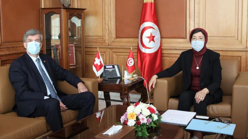 استرجاع الأموال المنهوبة محور لقاء وزيرة أملاك الدولة بسفير سويسرا