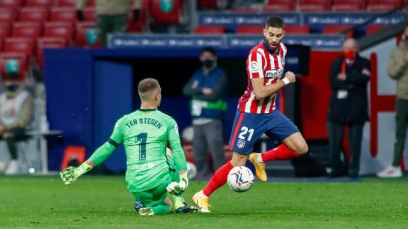 برشلونة يسقط أمام أتلتيكو مدريد بخطأ من تير شتيجن..
