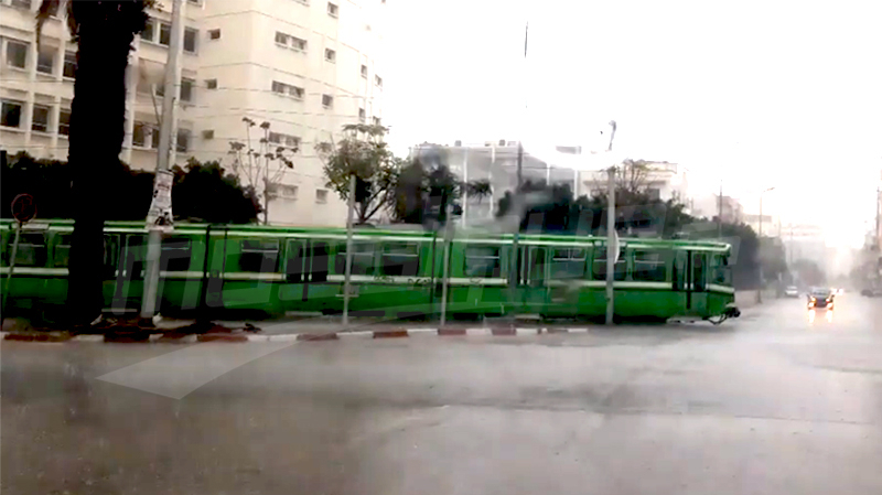 إثر تعطّل حركة المترو: نقل تونس تعتذر وتوفّر حافلات لنقل الركّاب