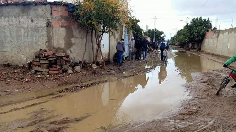 حاصرتهم مياه الأمطار.. سكان قرية ''20 مارس'' بوادي مليز يستغيثون