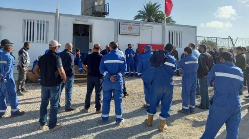 صفاقس : أعوان شركة 'بيرنكو' النفطية بقرقنة في إضراب بـ3 أيام