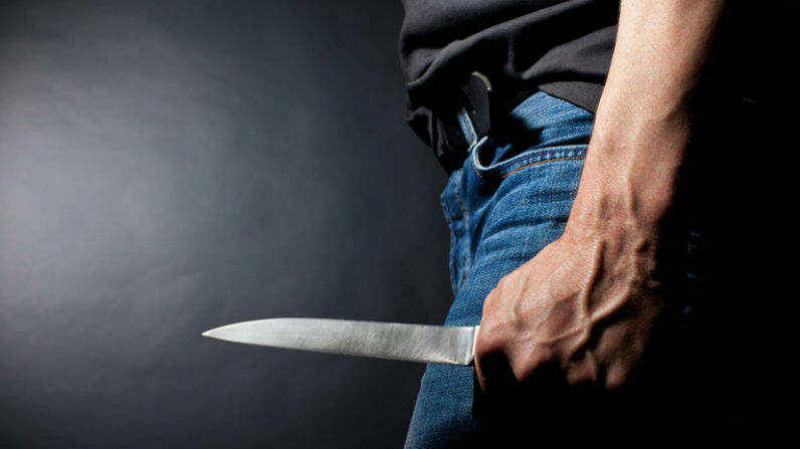 السبيخة: شاب يقتل والدته طعنا بسكين