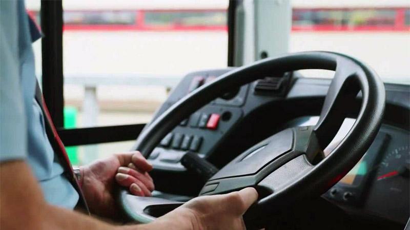 منظمة النقل البري تطالب بإدراج مهنة السائق كمهنة شاقة