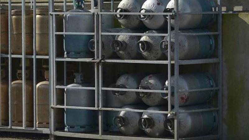 والي صفاقس يقرّ بتواصل أزمة النقص في قوارير الغاز المنزلي