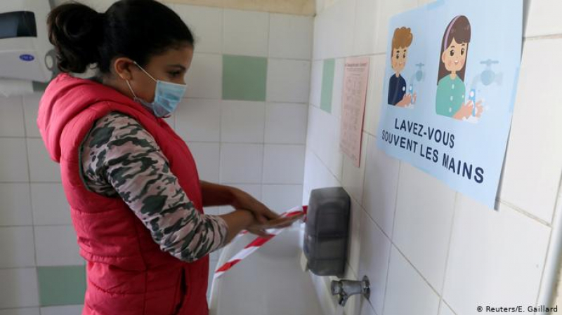 27 وفاة و3400 إصابة جديدة بكورونا في الوسط المدرسي