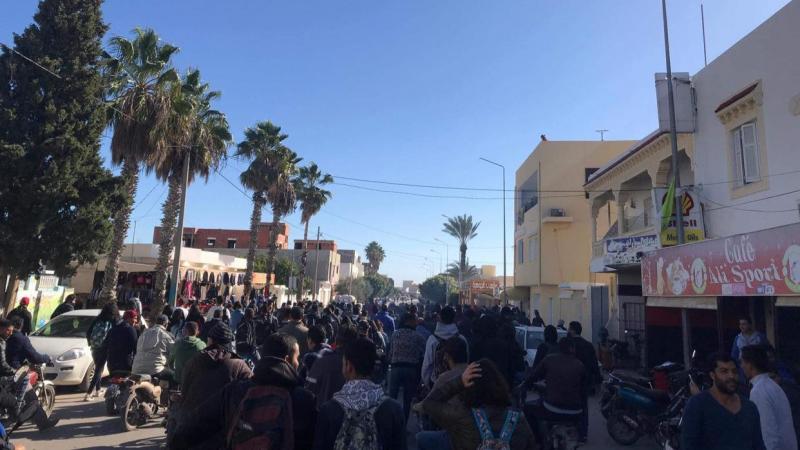 الشابة: اتحاد الشغل يندد بالعنف المفرط لقوات الأمن ويهدّد..