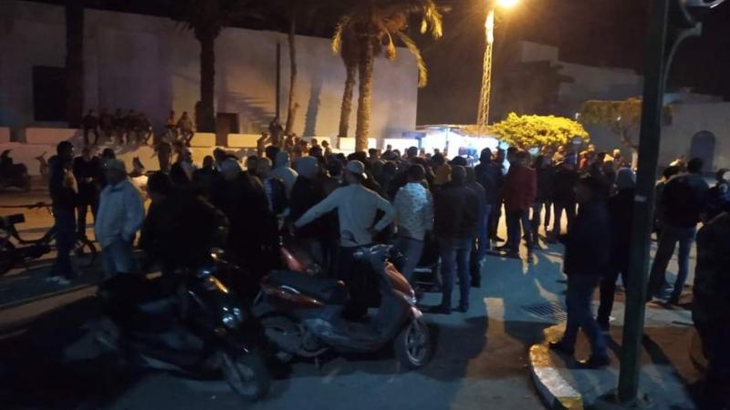 الشابة: انسحاب الأمن ووصول وحدات الجيش